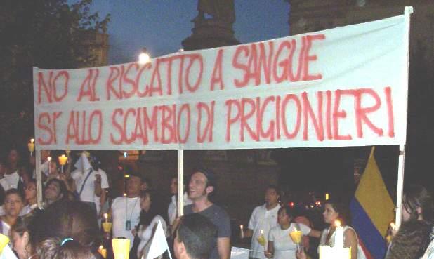 contestazione a milano console colombiano