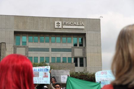 Fiscalia Roja Y Rubia